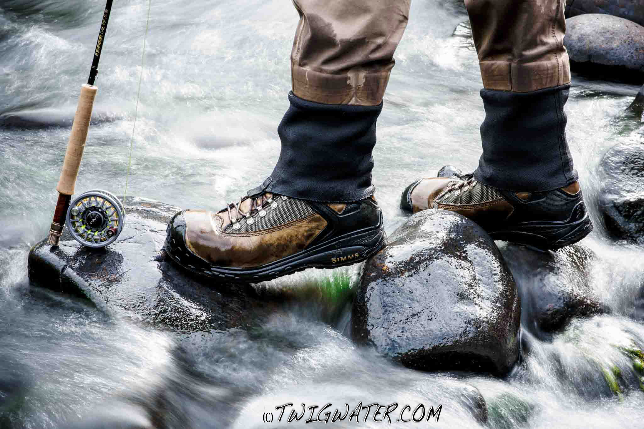 Simms mens g3 guide stockingfoot gore-tex® chest waders closeout.